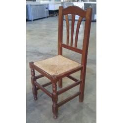 Sillas de madera con asiento de Anea.