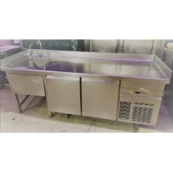 Bajomostrador refrigerado con fregadero