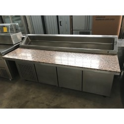 Mesa refrigerada para pizzas con granito